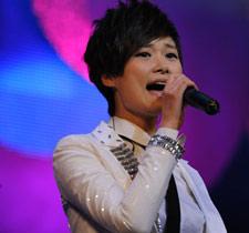 李宇春演唱《下个路口见》
