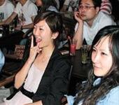 上海:中外球迷尽情狂欢