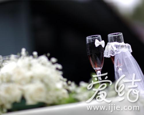 香槟杯也精美装饰