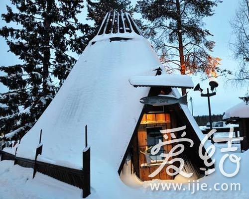 三角帐篷造型的小餐馆
