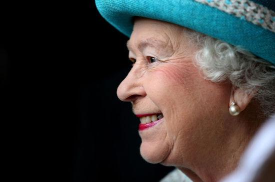 女王登基60周年纪念日 呼吁英民众团结