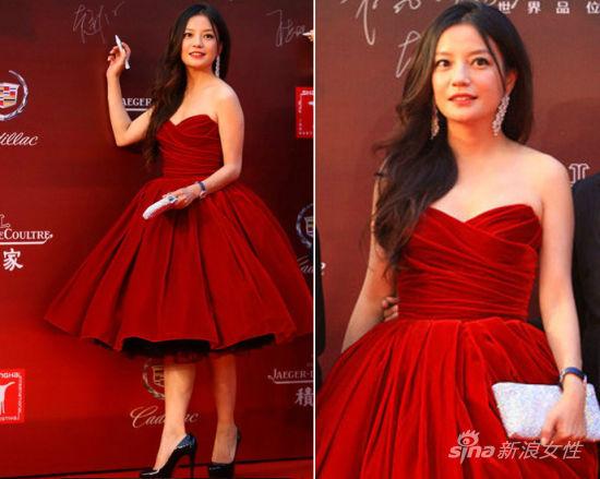 赵薇在上海电影节开幕红毯