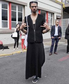 Givenchy秀场外街拍