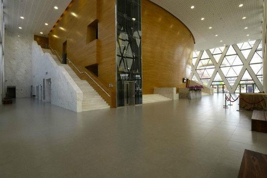 木质材料装修的礼堂