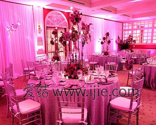 爱结精选:紫色婚礼宴会厅布置