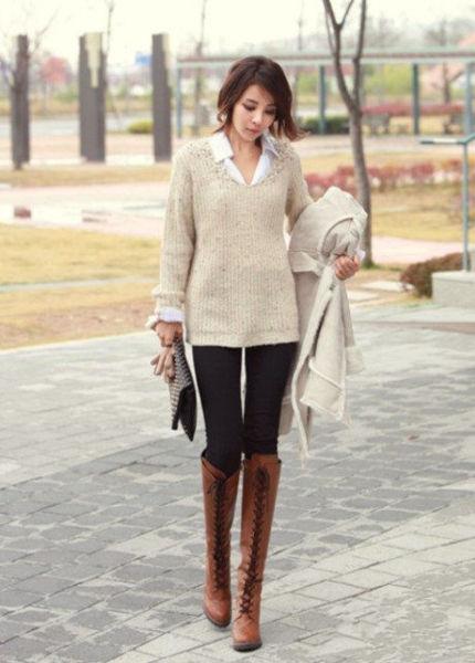 白色衬衫+长款毛衣+紧身裤