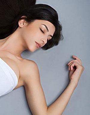仰睡可不可以避免皺紋