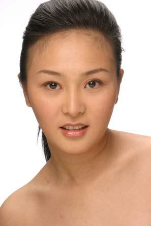 中国第一人造美女郝璐璐2次整容(组图)(3)