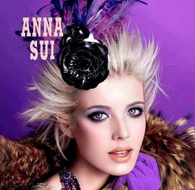 > 超模agyness 白发黑发风格大不同(      三七分齐耳白色短发造型图片