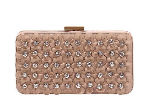 Valentino 新款裸色手拿包
