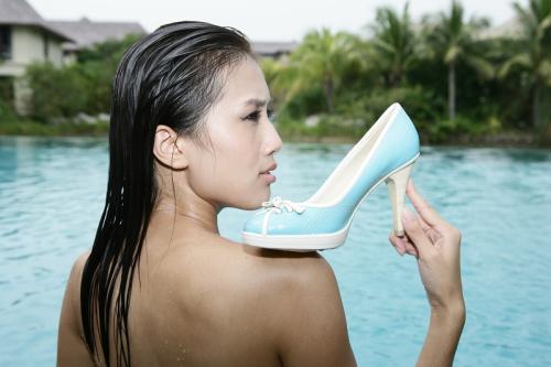 美女选手倾诉高跟鞋情节