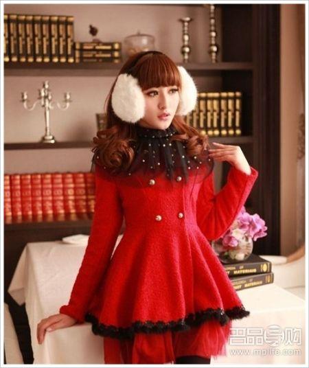 大红色毛呢连身裙,秀雅更气质动人