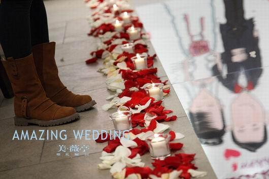 红色的西式婚礼(组图)(2)