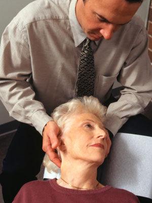 自测脊椎是否有问题的征兆