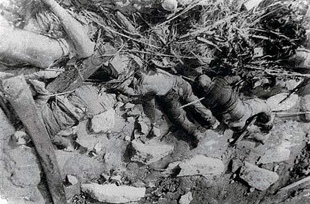 图文:1938年下关长江边的屠杀现场