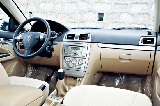 """长安志翔尽管是自主品牌中的""""新人"""",但志翔在车内的诸多工艺细节上,表现出了超越前人的水准"""
