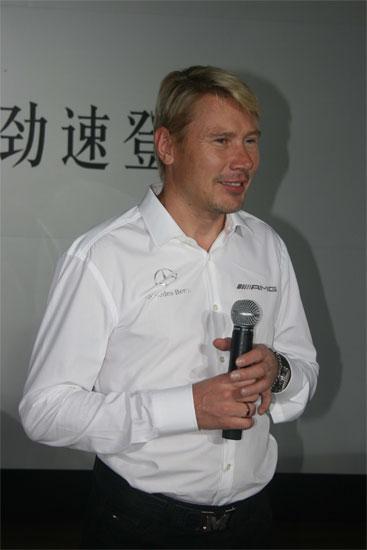 哈基宁是奔驰AMG的形象代言人