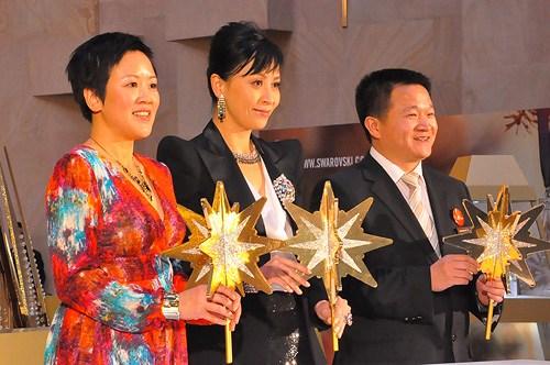 香港知名影星刘嘉玲参加新车发布活动
