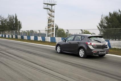 刺客 试驾全新进口Mazda3两厢高清图片