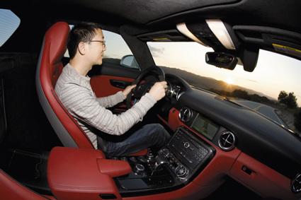 梅赛德斯-奔驰SLS AMG