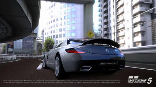 《GT赛车5》游戏中的SLS AMG――高清画面是这款竞赛游戏的另一大亮点