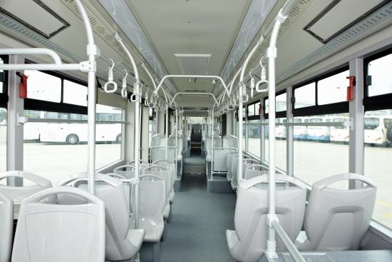 大金龙18米公交车投入厦门BRT运营(图)
