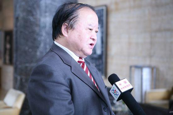 张小虞正在接受中央电视台的专访