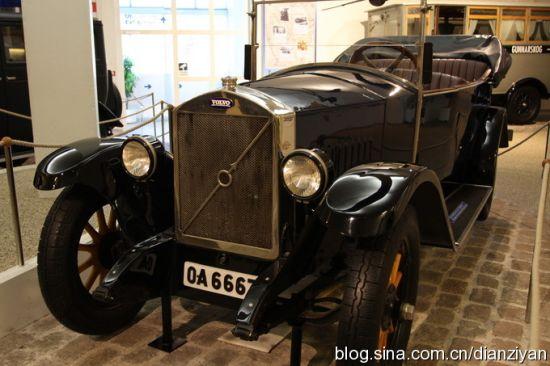 1927年4月14日,第一辆沃尔沃车型OV4(雅各布)从哥德堡工厂下线