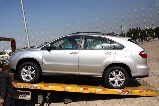 比亚迪首款SUV车型S6登陆广州车展