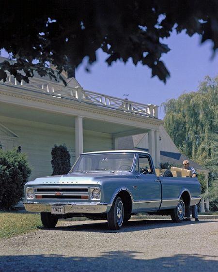 1967款雪佛兰轻型货车