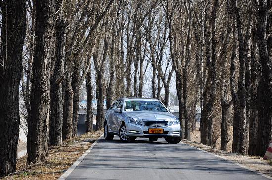 E路超越 新浪试驾国产奔驰长轴距E200L CGI
