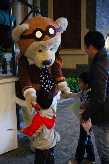 宾利亲善大使Birkin Bear极受小朋友欢迎