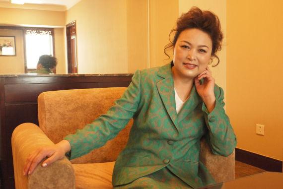 图为长城汽车总裁王凤英女士