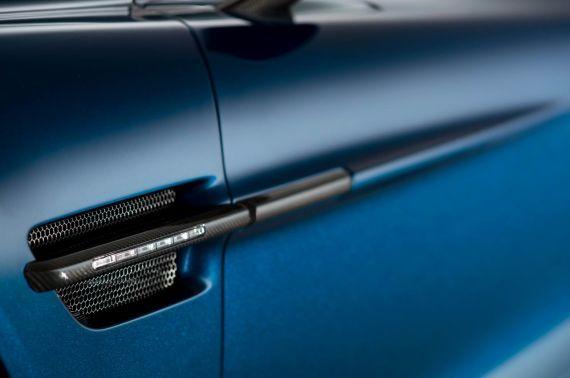 Aston Martin Vanquish Volante 16