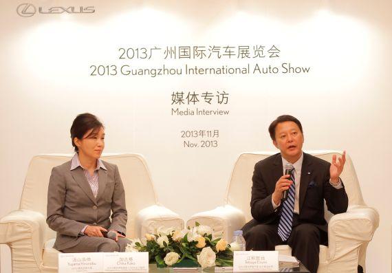 LEXUS雷克萨斯国际新款CT200h总工程师加古慈女士与LEXUS雷克萨斯中国执行副总经理江积哲也先生