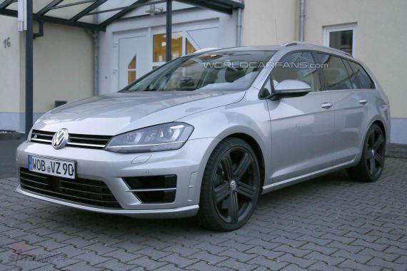 Volkswagen Golf R Estate Spy 01