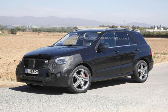 2015 Mercedes-Benz ML 63 AMG facelift spy photo -07