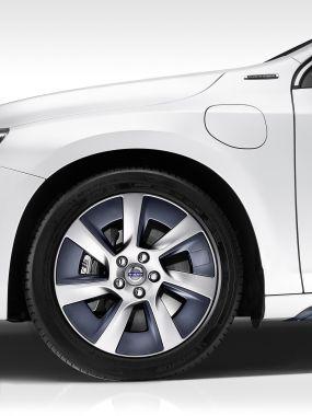 Volvo S60L Petrol Plug-in Hybrid Concept 04