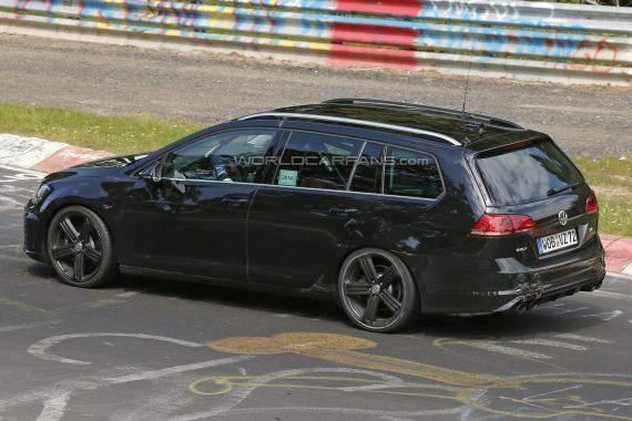 Volkswagen Golf R Estate Spy 02