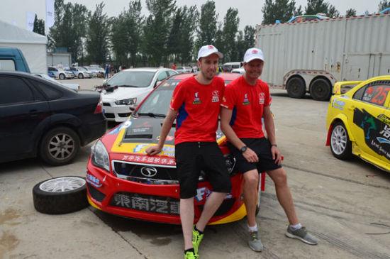 瑞典的PWRC冠军车手――帕特里克・桑德尔(Daniel Almqvist)和他的搭档――领航丹尼尔・阿尔姆奎斯特(Patrik Sandell)加盟东南汽车万宇车队