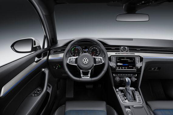 Volkswagen Passat GTE 04