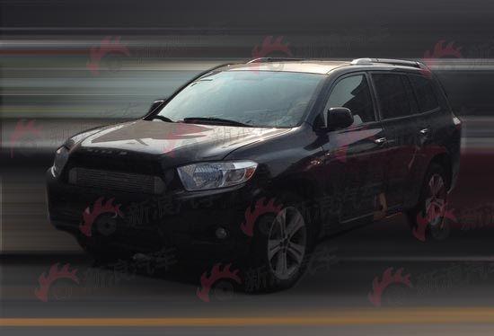 长安大型七座SUV车型CS95底盘测试车