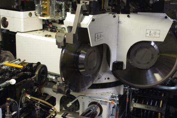 多机头式机床可在一道程序中对工件进行不同标准的加工