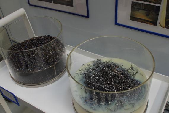 干式加工与湿式加工废料对比