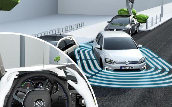 Volkswagen Connected Golf Concept 05