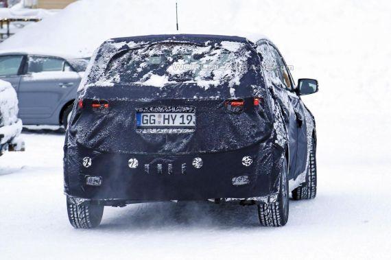 Hyundai iX20 facelift spy 06