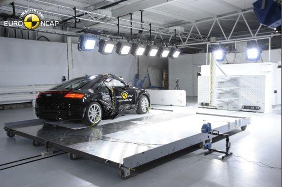 Audi TT EuroNCAP 06