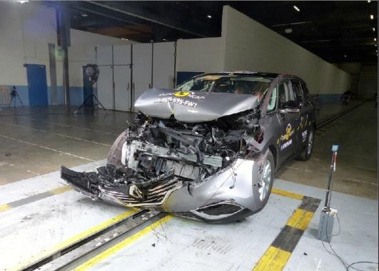 Renault Espace EuroNCAP 02