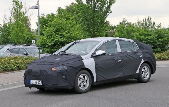 Hyundai Prius Spy 04