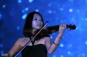 现场小提琴表演